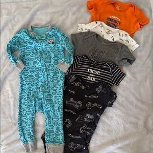 Carter's 9 Month Baby Boy Clothes Set (6 pieces)